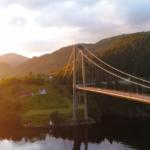 Betongbro over vann