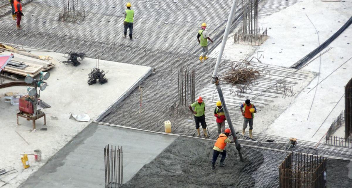 Hvordan fungerer armert betong?