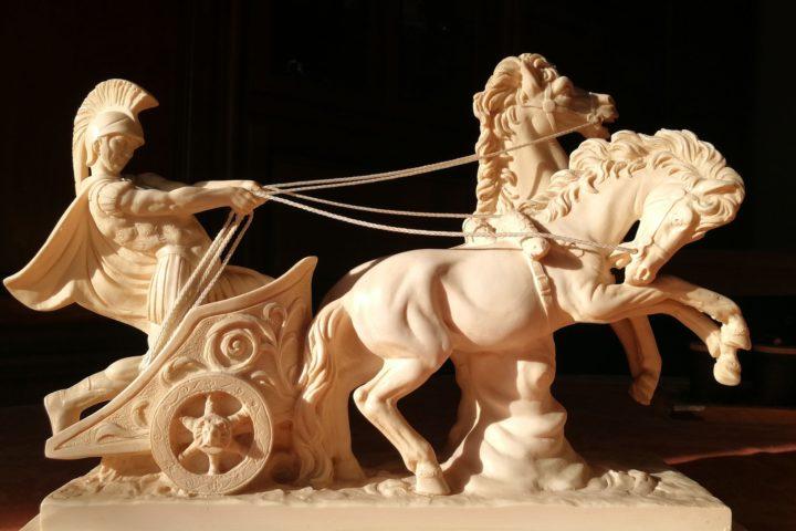 Alabast: materiale for utsmykning og dekorasjon